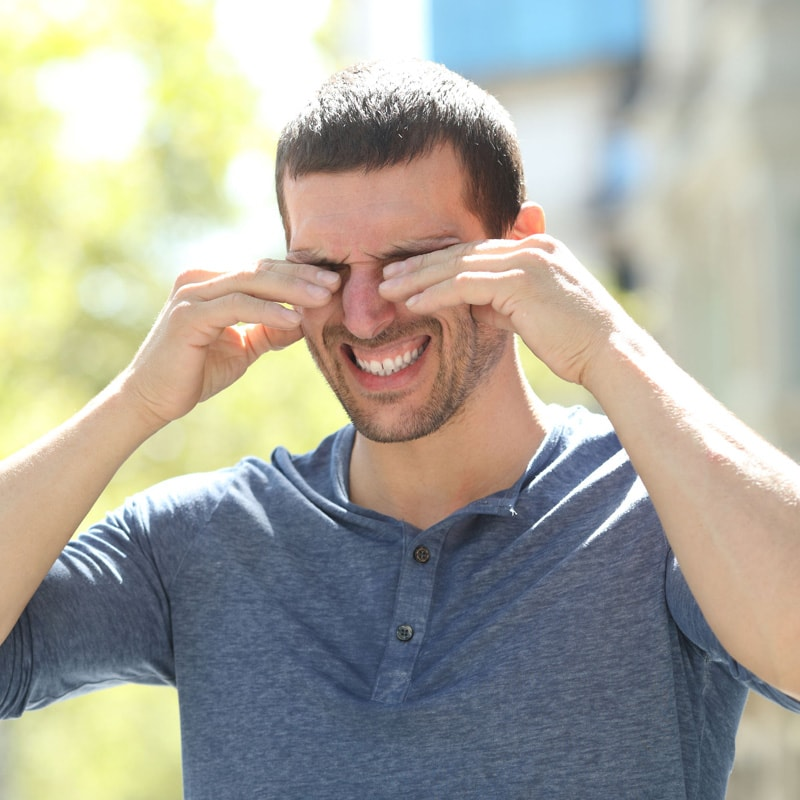 La contaminación del aire contribuye al ojo seco