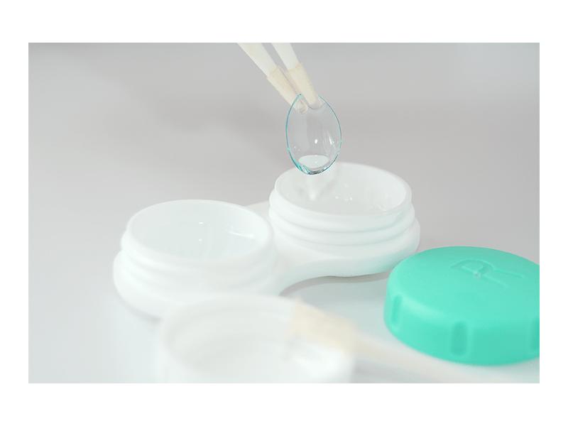 Las lentes de contacto suaves cumplen 70 años